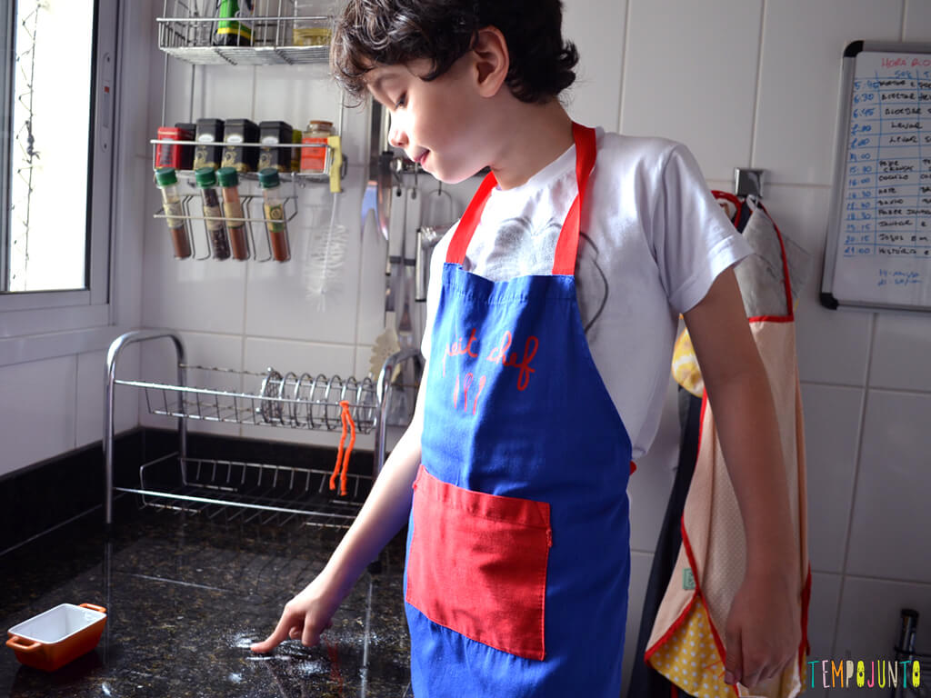 Tempojunto na Cozinha vamos fazer picole para toda a familia_pocoyo-lambendo-acucar