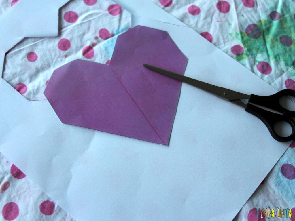 Como customizar um caderno com as criancas_7106_recorte coração caderno