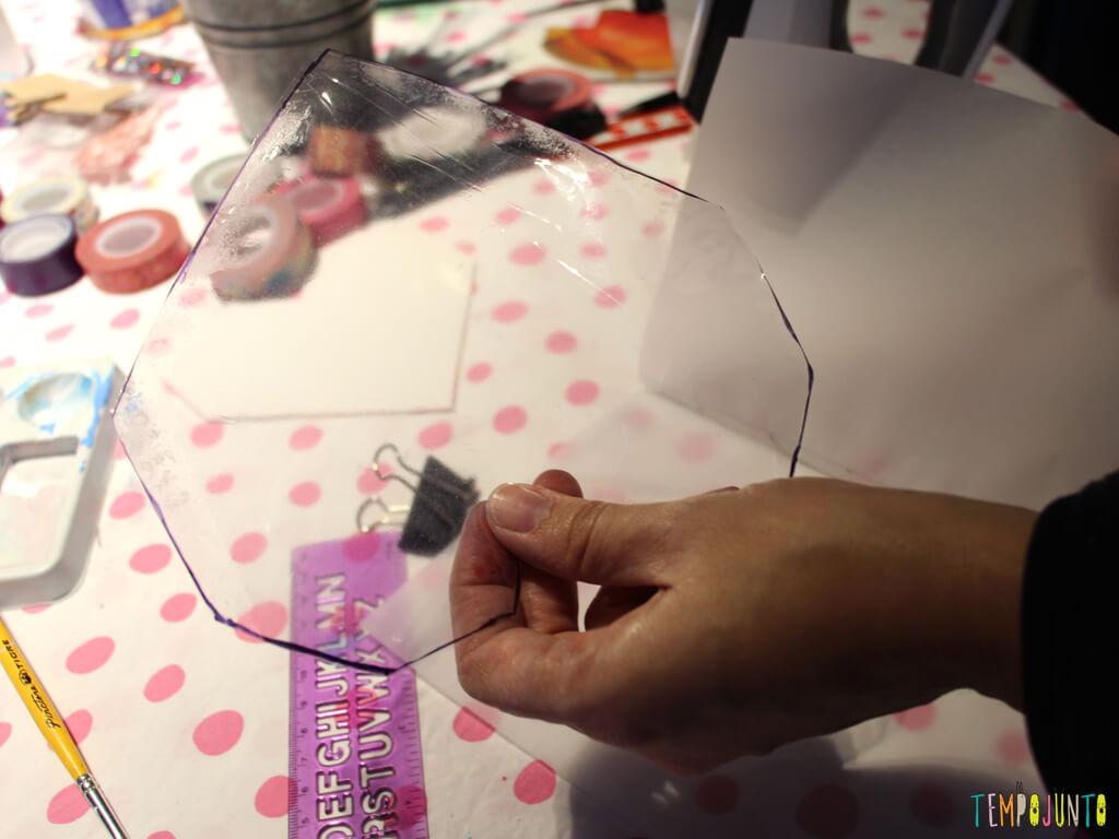 Como customizar um caderno com as criancas_7142_resultado plastico do coracao