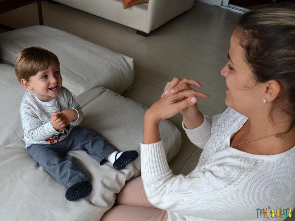 Musica e palhacadas para encantar seu bebe_11.41.21_pietro sorrindo
