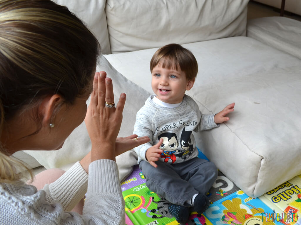 Musica e palhacadas para encantar seu bebe_11.53.10_pietro supreso