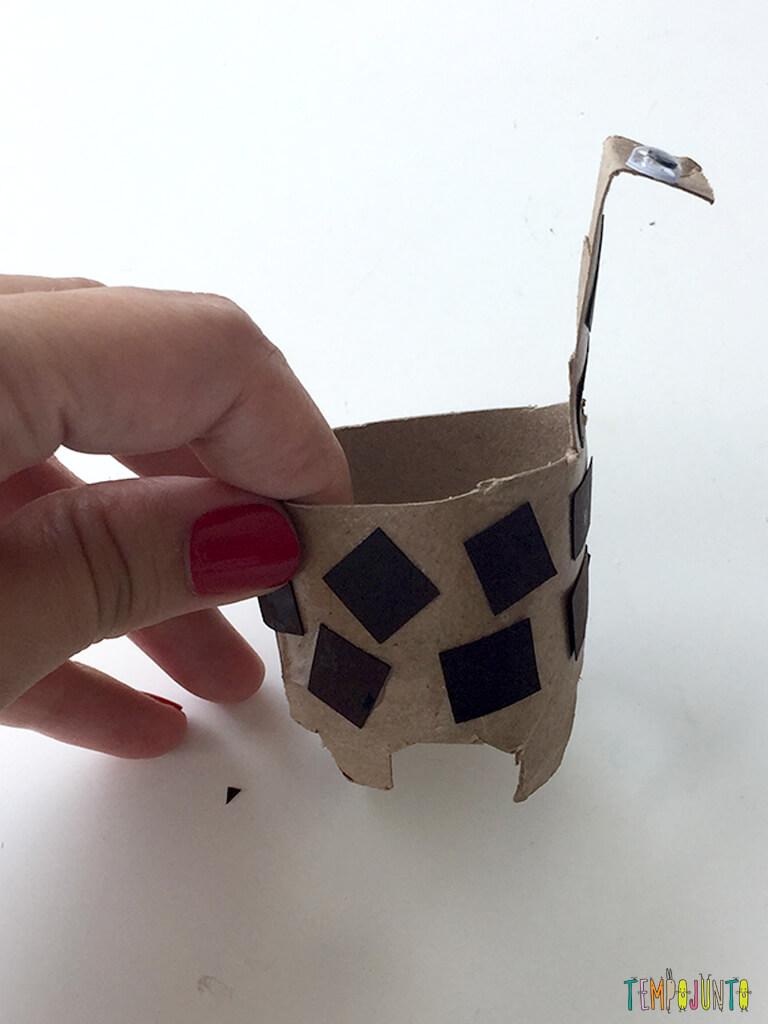 Elefante e outras ideias com rolo de papel higiênico_12.02.05_Resultado-final-girafa