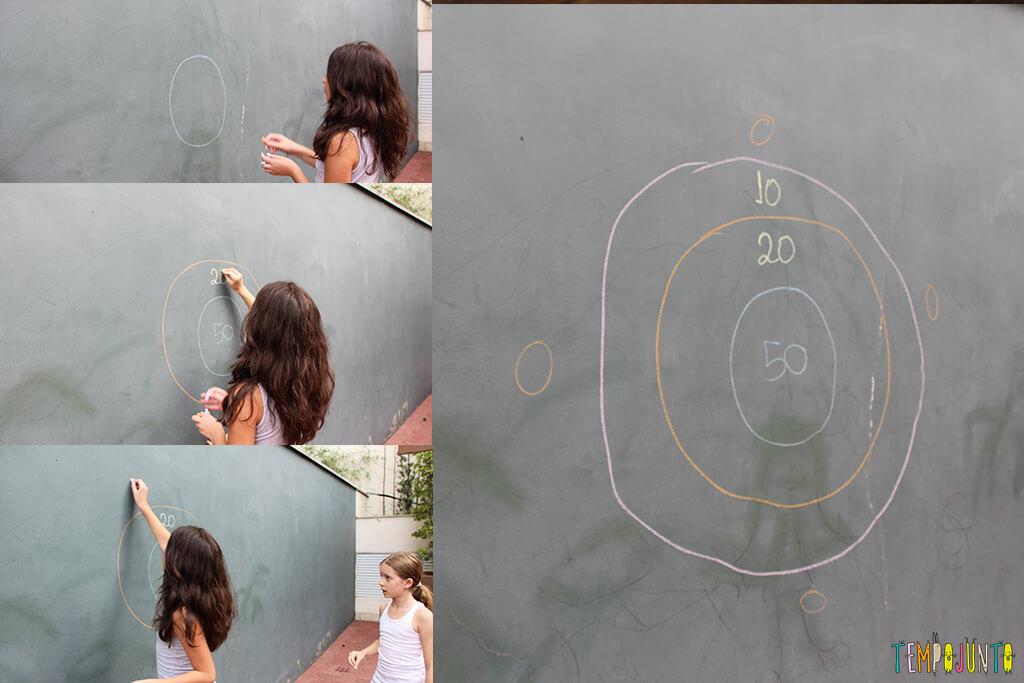 Acerte o alvo com esponja molhada - montando o alvo