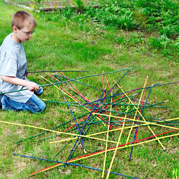 10 jogos gigantes para fazer com as crianças - pega vareta