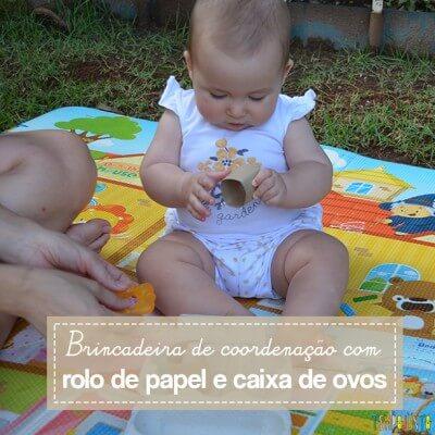 Brincadeira de estímulo motor para bebês usando materiais da sua casa
