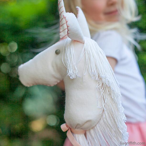 10 ideias de brinquedos caseiros faceis de fazer- unicornio