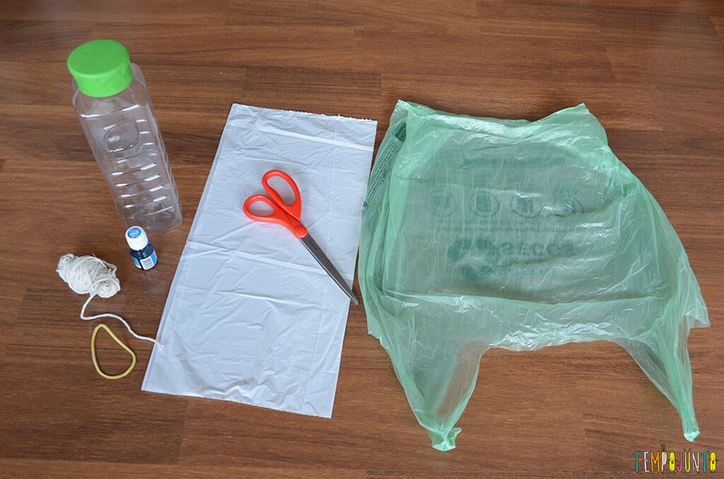 Agua viva de sacola reciclada - materiais
