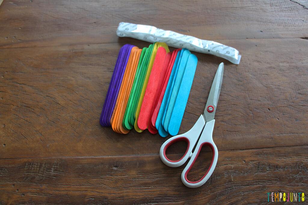 Como fazer um brinquedo com palito de picolé - materiais