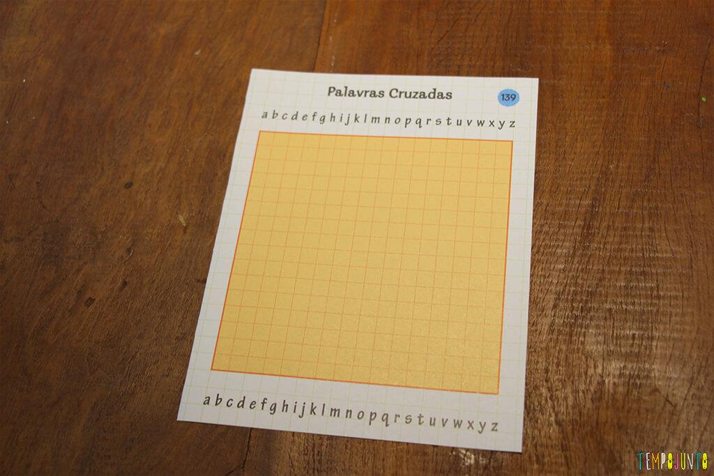 Um jogo de palavras cruzadas diferente - folha vazia