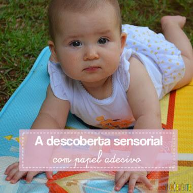Brincadeira sensorial que ajuda o bebê a ficar de bruços