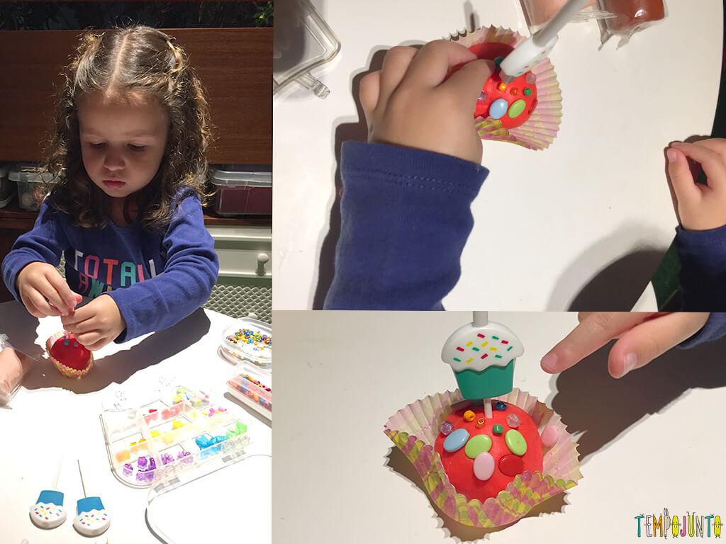 Como fazer uma fábrica de cupcake de massinha - gabi fazendo cupcake para a pat