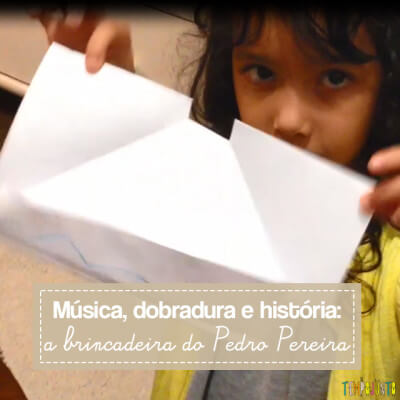 Um brincadeira simples que reúne contação de história e origami do barquinho de papel