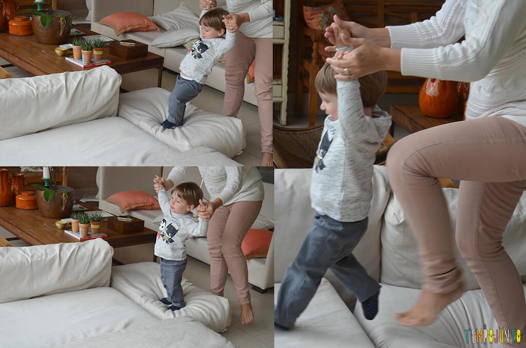 porque-almofadas-sao-brinquedos-ideais-para-voce-se-divertir-com-seu-bebe-sequencia-mari-e-pietro-1