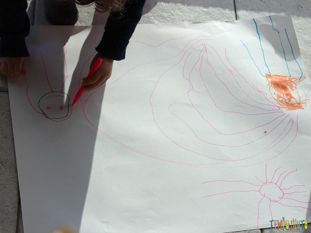 Quando a criança usa o desenho para contar história_0221_gabi desenhando_1