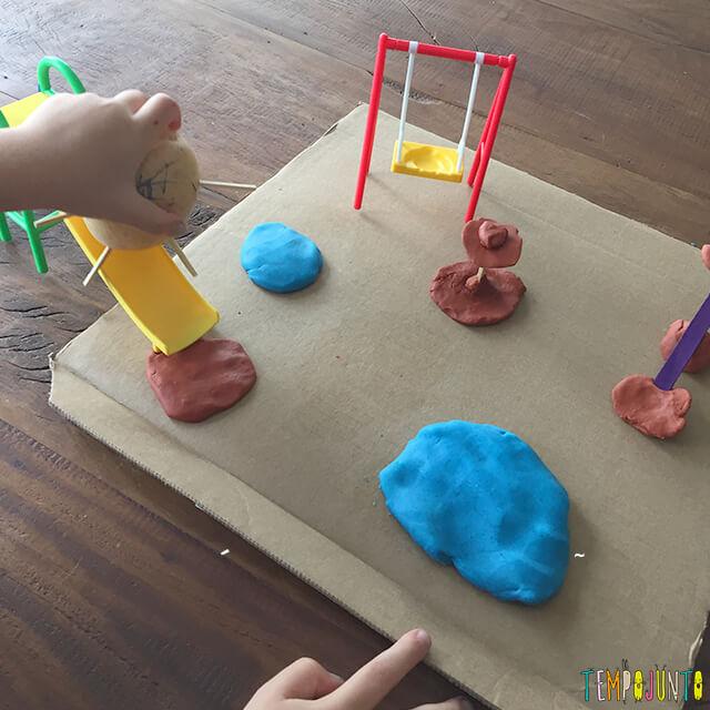 Como fazer bonecos de batata - pat e gabi brincando no parquinho