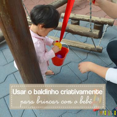 Despertar a curiosidade do bebê com uma brincadeira de causa e efeito