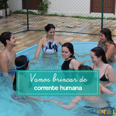 Brincadeira para fazer na piscina com um grupo de crianças