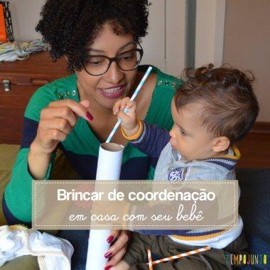 Uma brincadeira simples de coordenação para fazer em casa com o bebê